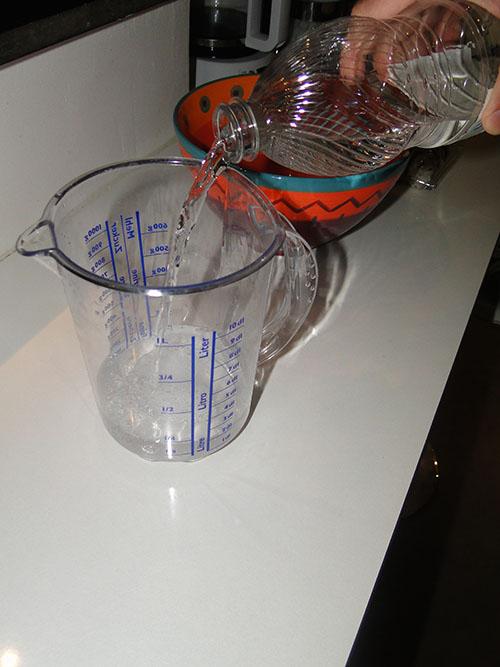 melanger eau et vinaigre